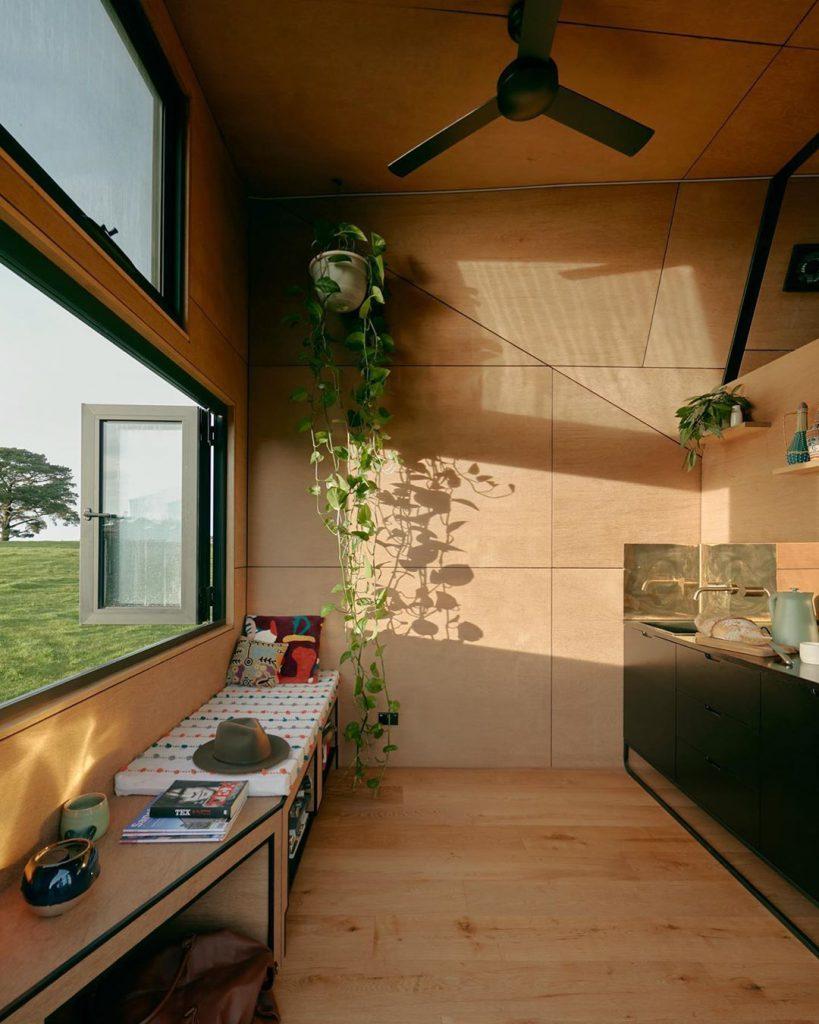 como decorar una cabaña pequeña de madera